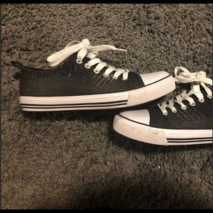 Shoes - Basic lace sneakers black white soles